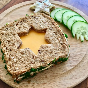 Funny Food, Foodart, Stern, Star, Essen für Kinder, for Kids, Abendbrot, Toast, Brot, Gemüse