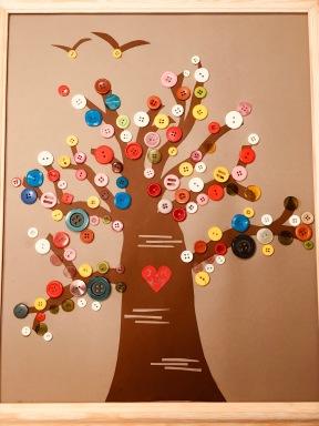 Knopfbaum, Upcycling, Natürkleber, basteln mit Kindern, Knöpfe