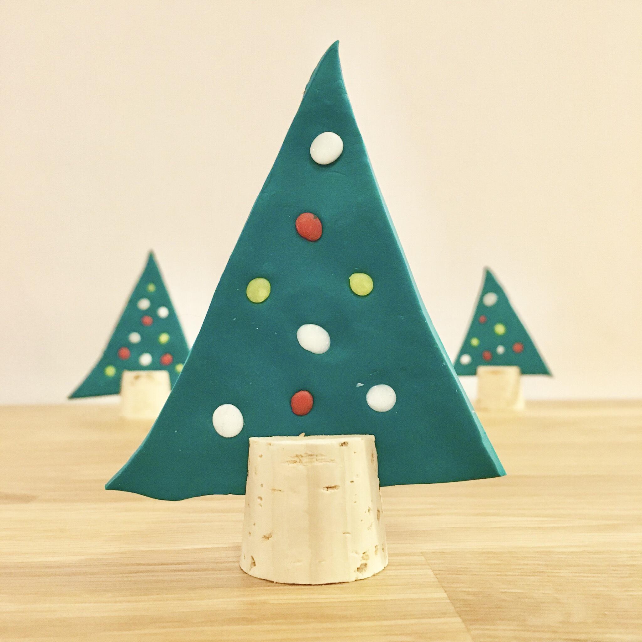 Weihnachtsdeko aus Fimo, Weihnachtsbäume, DIY mit Kindern