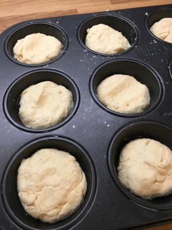 Rezept für schnelle Quarkbrötchen mit Apfel aus der Muffinform
